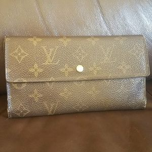 Louis Vuitton Trifold  Long Wallet
